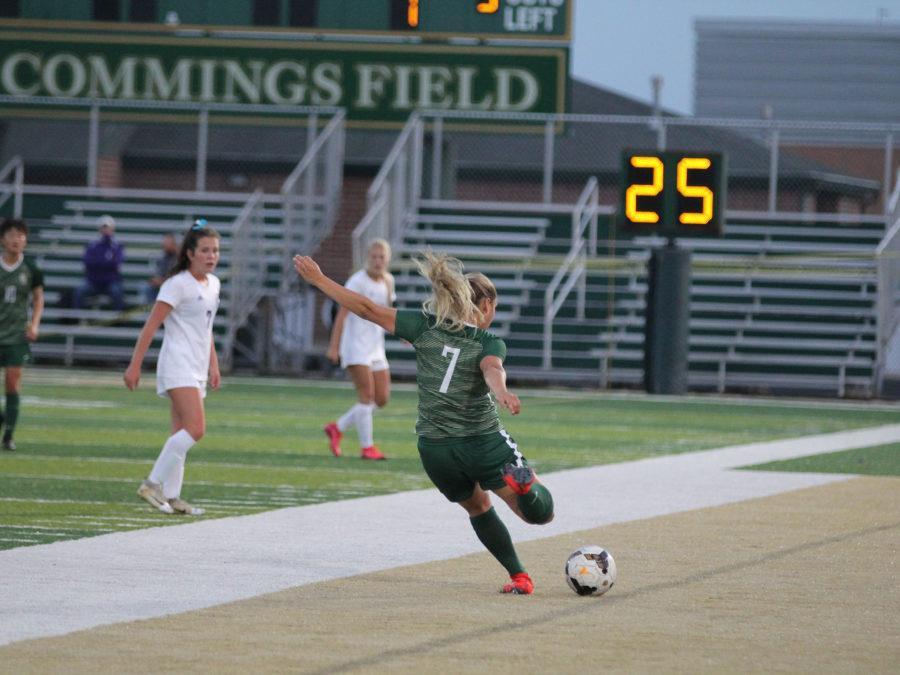 Girls+soccer+kicking+their+way+through+COVID-19