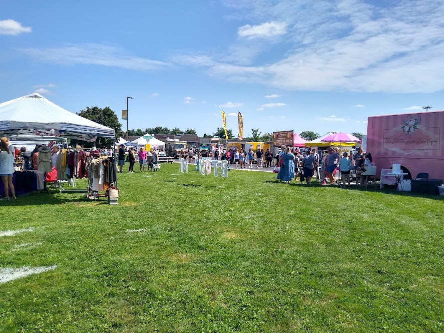 A view of Saturdays at the square a monthly farmers market hosted at Oakwood Square.